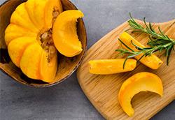 kuerbis-mit-orangenoel-aus-dem-dampfgarer